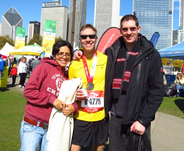 Mike Sohaskey with Chicago hosts at 2012 Chicago Marathon