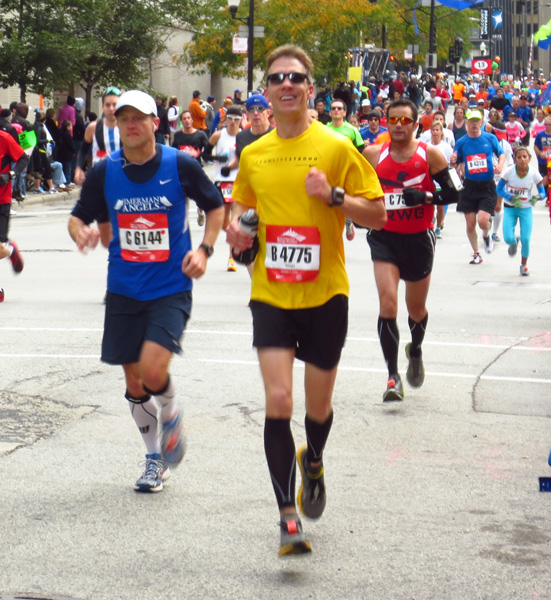 Mike Sohaskey at halfway point of 2012 Chicago Marathon