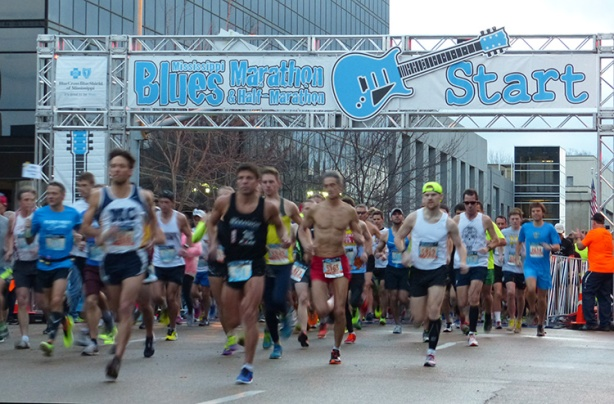 Mississippi Blues Marathon start 2013