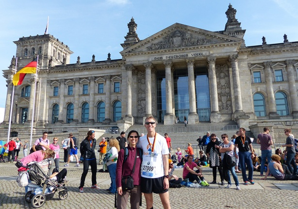 Mike Sohaskey and Katie Ho in front of Reichstag post-Berlin Marathon