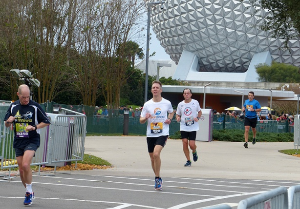 Mike Sohaskey approaching Walt Disney World Marathon finish line