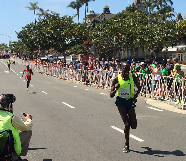 2015 Carlsbad 5000 men's elite race - Lawi Lalang wins