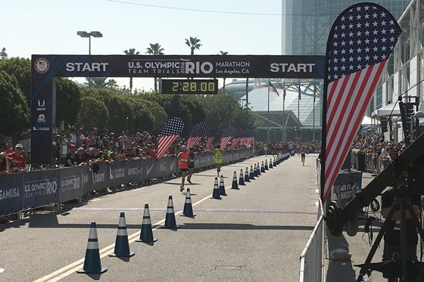U.S. Olympic Marathon Trials 2016 in Los Angeles - start before finish line
