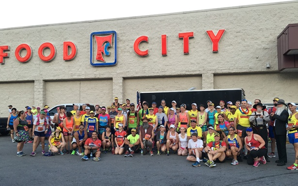 Marathon Maniacs & Half Fanatics group photo at Hatfield McCoy Marathon
