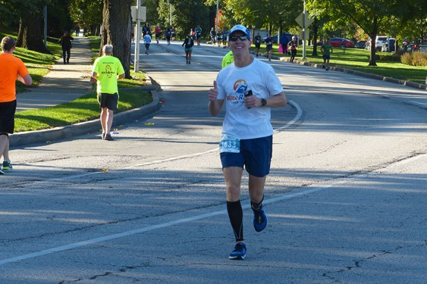 Mike Sohaskey at mile 20 of Kansas City Marathon