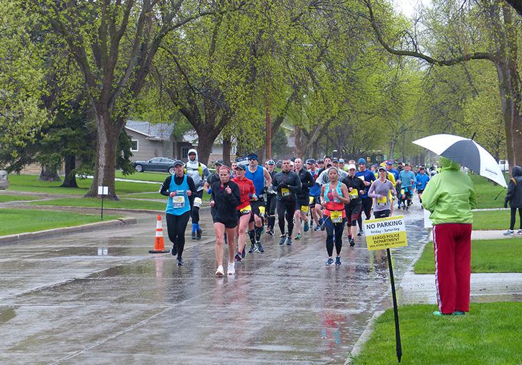 Fargo Marathon runners at mile 8