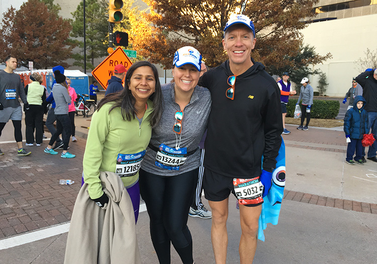 Mike Sohaskey with Shilpa and Louann at the Route 66 Marathon start line