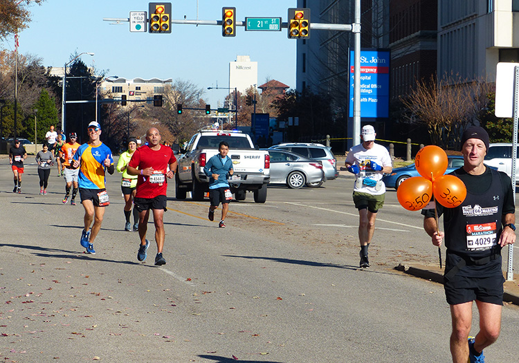 Mike Sohaskey in mile 16 of the Route 66 Marathon