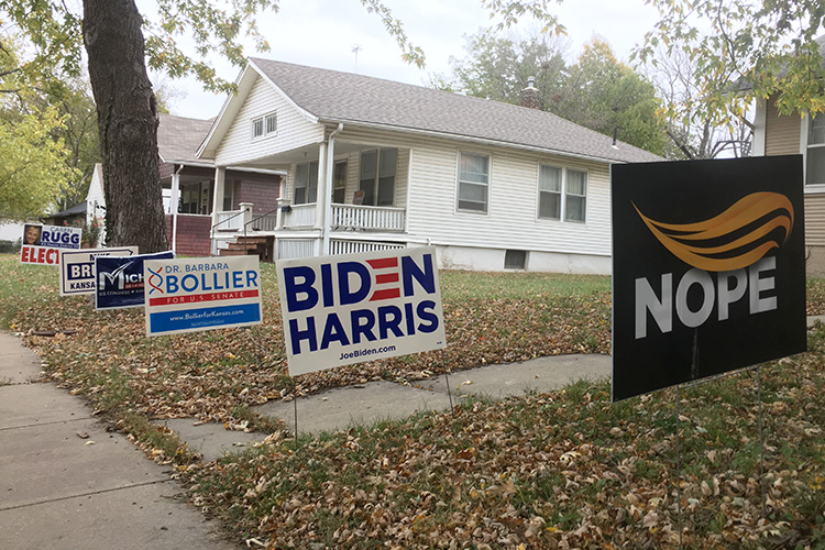 Ottawa Kansas lawn signs during 2020 election season