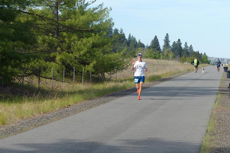 Mike Sohaskey approaching mile 8 turnaround of the Windermere Marathon