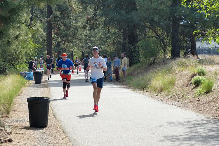 Mike Sohaskey passing mile 16 at the Windermere Marathon